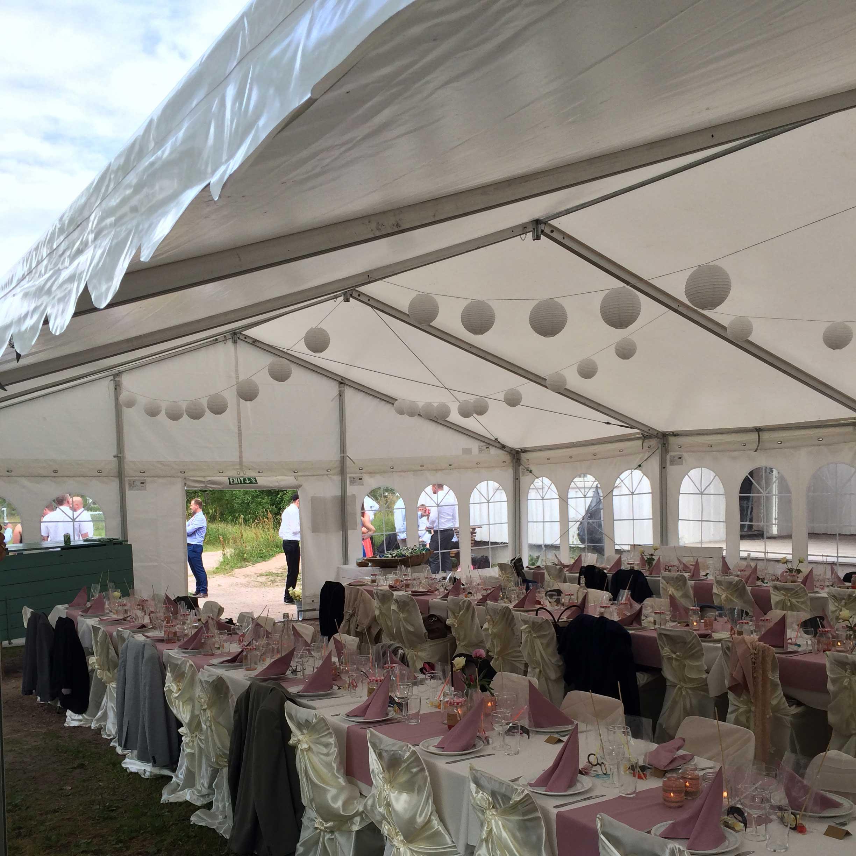 Utleie av telt og bord til bryllup EpicEvent